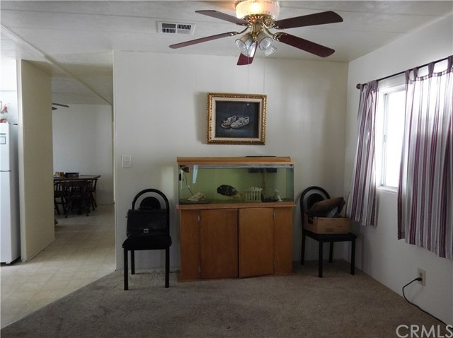 35011 Avenue E, Yucaipa CA: http://media.crmls.org/medias/2c5af70b-6fba-4b65-894c-897a25866a55.jpg