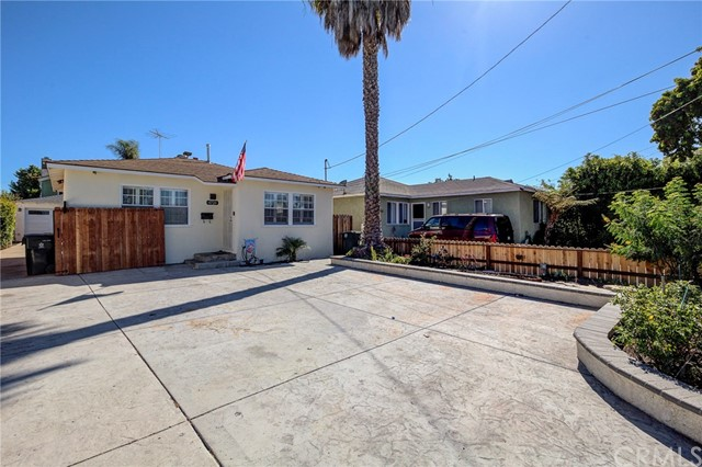 4724 W 161st Street, Lawndale CA: http://media.crmls.org/medias/2c5db27d-eebf-437d-a153-7178d32f560a.jpg