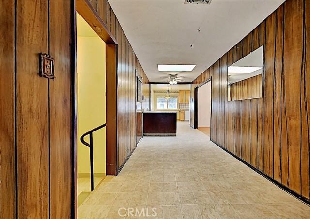 1405 S Nevada Avenue, Los Banos CA: http://media.crmls.org/medias/2c7df7e4-bb5e-4870-90f1-3e88aca2e03a.jpg