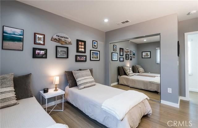 521 E Sycamore Avenue, El Segundo CA: http://media.crmls.org/medias/2c8a506f-8ec3-4553-bced-0fbfdb9b8809.jpg
