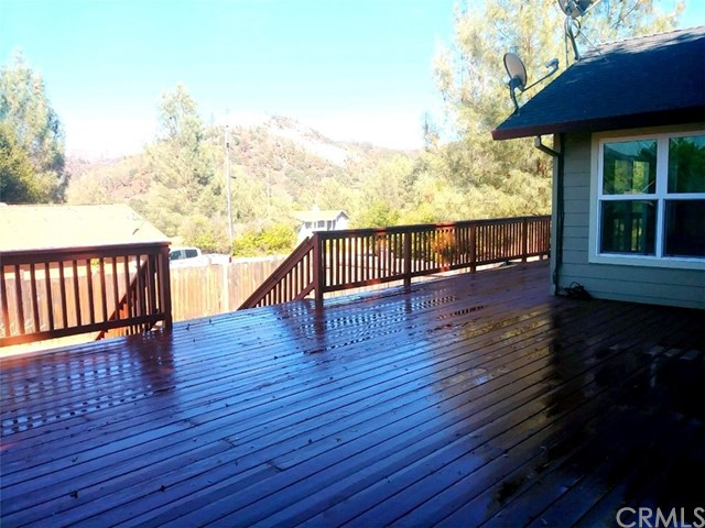 2776 Spring Valley Road, Clearlake Oaks CA: http://media.crmls.org/medias/2c8d08d7-4248-434e-aad4-7b6cdf36c05f.jpg