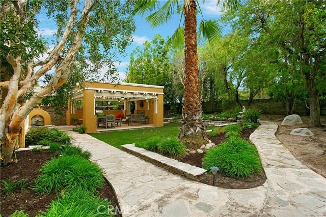 17 Berkshire, Rancho Santa Margarita CA: http://media.crmls.org/medias/2c92a025-c51c-4883-bd58-f45c837c2374.jpg