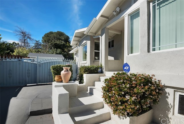 Single Family Home for Sale at 1835 Avenue 51 N Highland Park, California 90042 United States