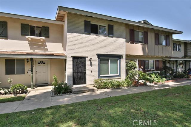 19854 Keswick Lane Huntington Beach, CA 92646 is listed for sale as MLS Listing OC16165911