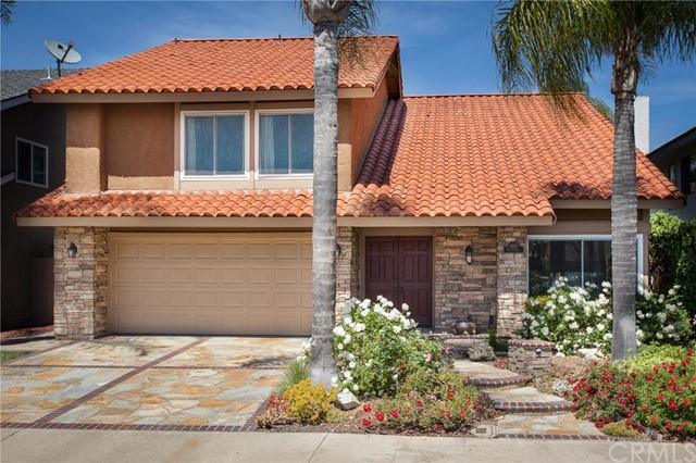 Single Family Home for Sale at 21422 Via Floresta Lake Forest, California 92630 United States