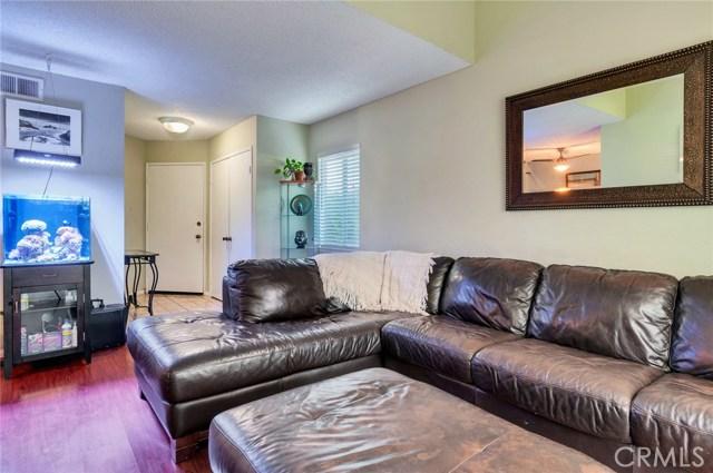 951 Inn Keeper Lane, Corona CA: http://media.crmls.org/medias/2caaf5f3-4622-4472-aeaa-364ba9d31566.jpg