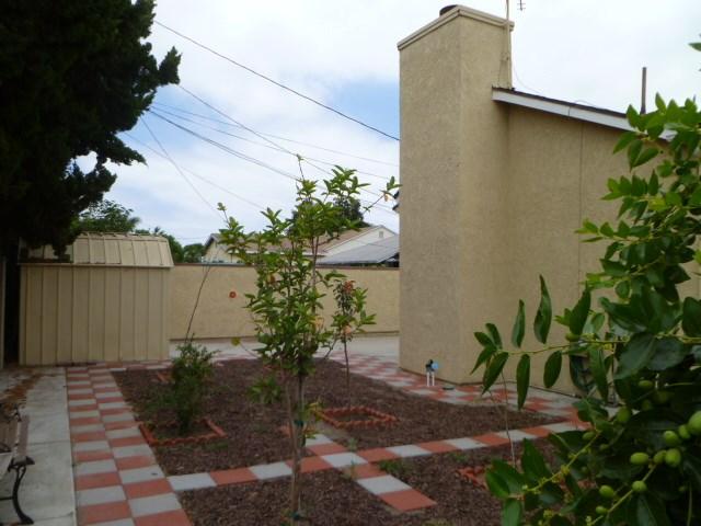 14033 Lefloss Avenue, Norwalk CA: http://media.crmls.org/medias/2cb4de23-0186-4929-87a6-2848b1db86ee.jpg