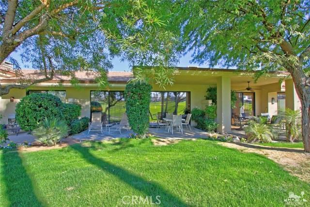 76235 Poppy Lane, Palm Desert CA: http://media.crmls.org/medias/2cc0d0ef-c29d-4527-b527-2b14c1d57f6e.jpg