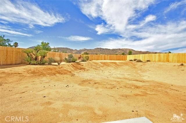 61755 Navajo, Joshua Tree CA: http://media.crmls.org/medias/2cc4a3c7-d9c2-422b-b9ca-d3a5f926ba8c.jpg