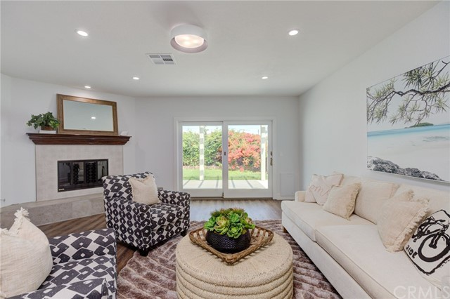 Detail Gallery Image 1 of 1 For 15008 Mansel Ave, Lawndale,  CA 90260 - 3 Beds   2/1 Baths