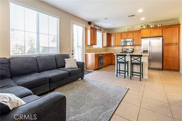 12960 Cobblestone Lane, Moreno Valley CA: http://media.crmls.org/medias/2ccca319-eed4-40b4-9112-a49c64302c47.jpg