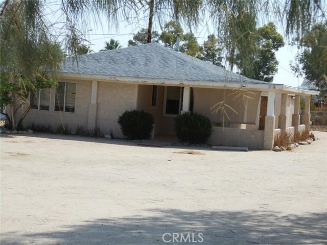 6941 Alpine Avenue, 29 Palms CA: http://media.crmls.org/medias/2cd2984f-e570-4e5b-b125-80ccd79bbf13.jpg