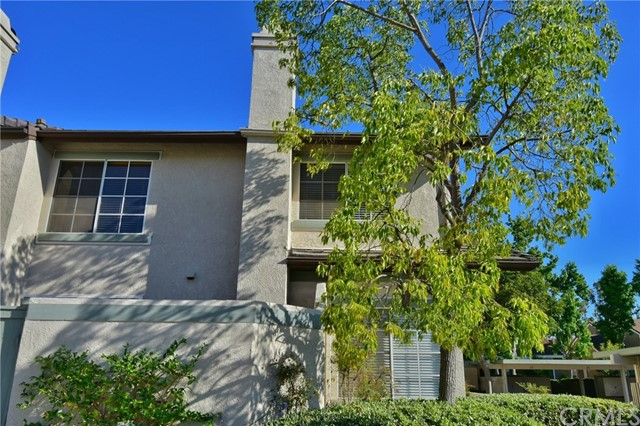 111 Oxford 32 , CA 92612 is listed for sale as MLS Listing OC18254306