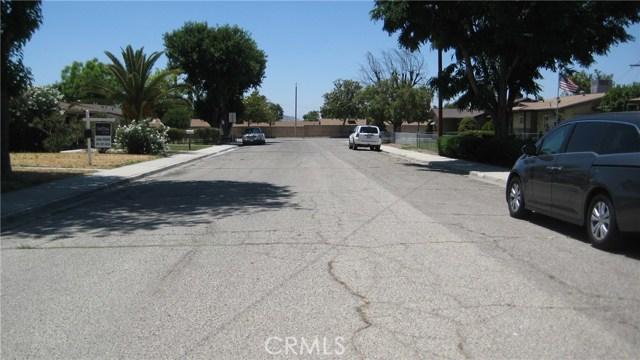 625 Montrose Avenue, Hemet CA: http://media.crmls.org/medias/2cfbc3c4-36b0-4427-82dd-42370a8da040.jpg