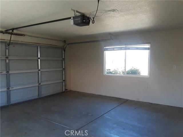 20848 Corwin Street, California City CA: http://media.crmls.org/medias/2cfff30d-cd37-4e0a-8544-f535e3b86ebd.jpg