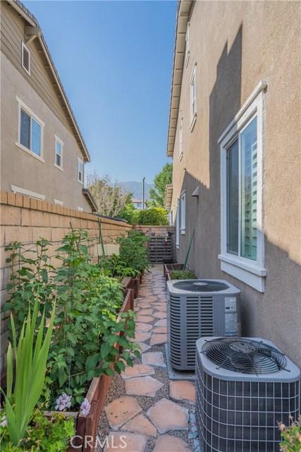 12437 Dapple Drive, Rancho Cucamonga CA: http://media.crmls.org/medias/2d0ceff6-1138-4599-9118-4dc14610122a.jpg
