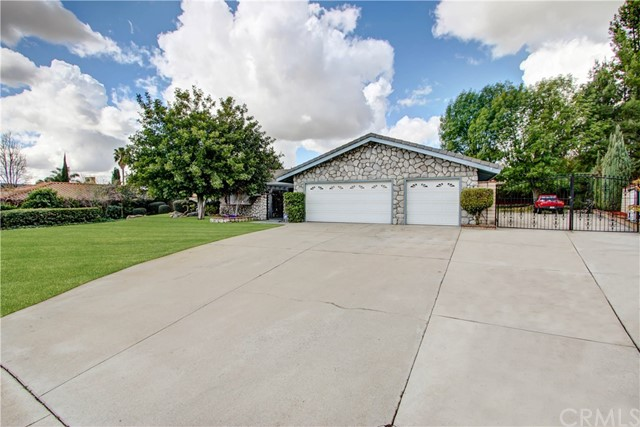 2029 La Palma Avenue Upland, CA 91784 is listed for sale as MLS Listing CV18046649