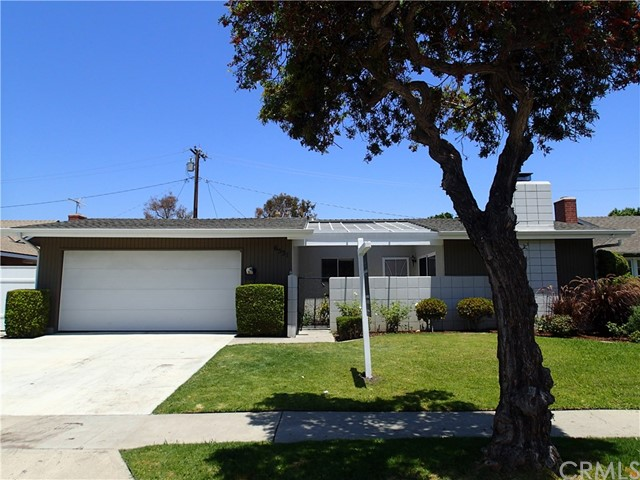 6531 Melbourne Drive , CA 92647 is listed for sale as MLS Listing OC18166269