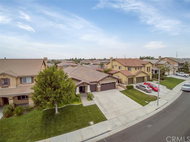 6843 Old Peak Lane, Eastvale, CA 92880