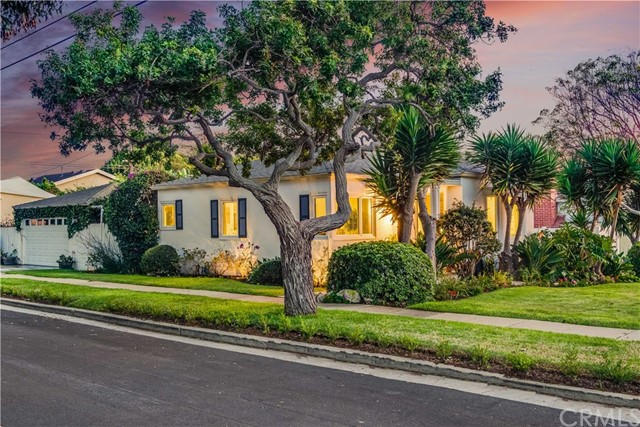 $699,000 - 2Br/1Ba -  for Sale in San Pedro