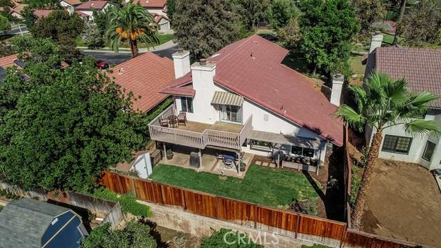 122 Orange Park, Redlands CA: http://media.crmls.org/medias/2d44c1b2-5bfc-4b1a-8212-757bdd5ec133.jpg