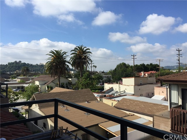 Townhouse for Sale at 1125 Maple Street E Glendale, California 91205 United States