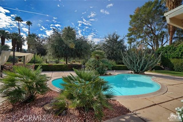 71443 Country Club Drive, Rancho Mirage CA: http://media.crmls.org/medias/2d62e1ce-95f7-477c-a328-5b51fdf21345.jpg