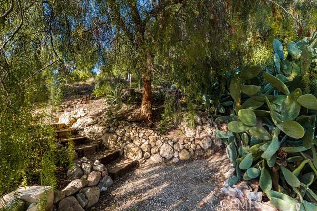 11402 La Vereda Drive, North Tustin CA: http://media.crmls.org/medias/2d74e480-6929-4467-8bac-ec0ea2becddd.jpg
