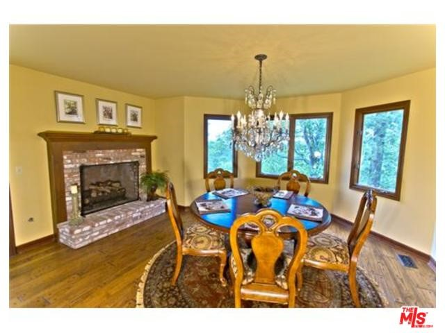 Additional photo for property listing at 1611 Alberta Lane  Lake Arrowhead, California 92352 United States