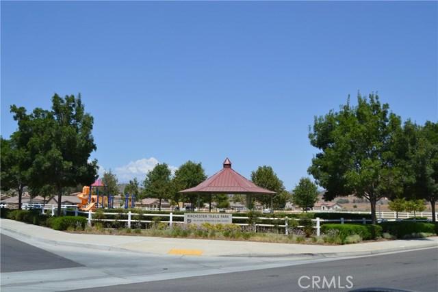 33060 Cattle Drive, Winchester CA: http://media.crmls.org/medias/2d82656b-b211-4f32-b763-7d23a8930b5b.jpg