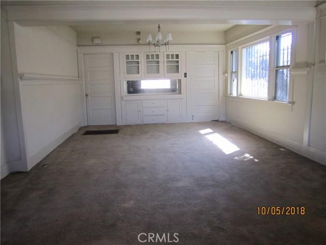 1844 West 38th Place, Los Angeles CA: http://media.crmls.org/medias/2d82e8e9-e3fc-453b-b3e4-8cf0e32bd670.jpg