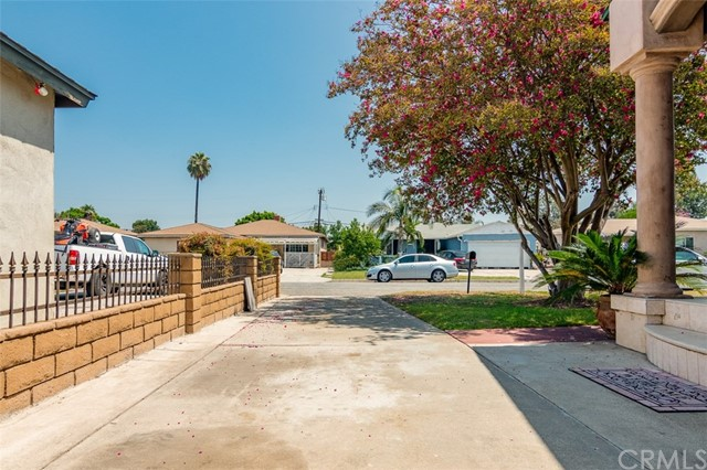 7849 Rockne Avenue, Whittier CA: http://media.crmls.org/medias/2d83af37-a62b-4a47-b384-305e941f959d.jpg