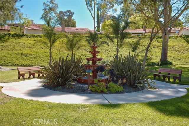 23671 Via Agustini, Mission Viejo CA: http://media.crmls.org/medias/2d91fda2-7152-46fe-a0c3-28f22b51b3f6.jpg