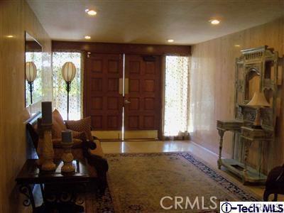 1299 Cordova Street, Pasadena CA: http://media.crmls.org/medias/2d9a7b24-57b3-4ca4-8f37-54ef56e08e3d.jpg