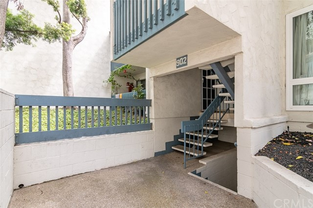 902 Camino Real, Redondo Beach CA: http://media.crmls.org/medias/2dc43c17-be60-44e7-b8d5-91233fe191ac.jpg