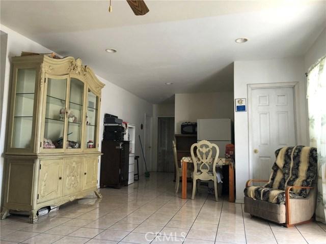 2326 Granada Avenue, South El Monte CA: http://media.crmls.org/medias/2dc79d8f-1e2e-48b0-a3b0-963cb1d4c896.jpg