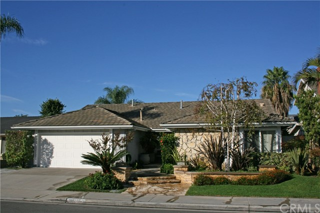 Single Family Home for Sale at 16115 Caribou Street Fountain Valley, California 92708 United States