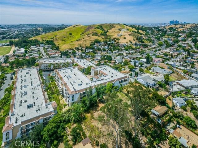 4760 Templeton Street, Los Angeles CA: http://media.crmls.org/medias/2dd58260-d5f9-4af3-a89c-3833786520a7.jpg