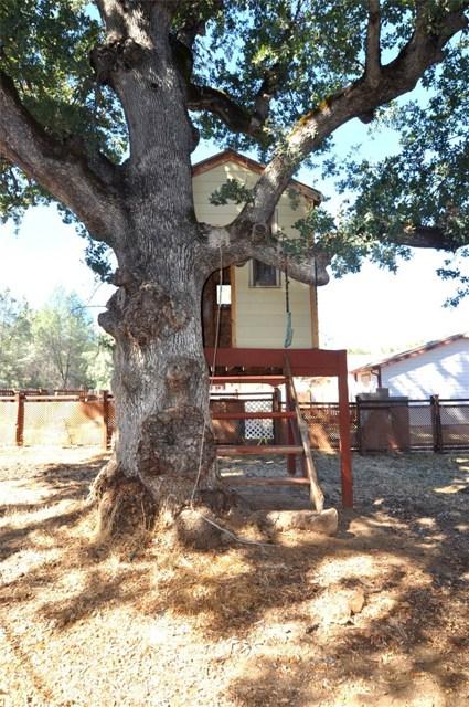 2776 Spring Valley Road, Clearlake Oaks CA: http://media.crmls.org/medias/2de605a8-7fda-4f40-bb43-216219105632.jpg