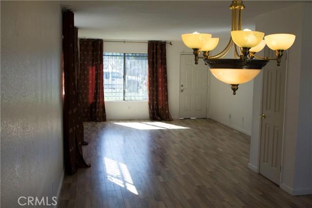 731 W 74th Street, Los Angeles CA: http://media.crmls.org/medias/2ded5e62-50f8-4955-a505-45a9858db72f.jpg