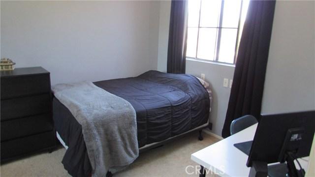 26033 Summer Hill Court, Murrieta CA: http://media.crmls.org/medias/2def2e40-e543-4ff1-8068-fc620a6af1b1.jpg