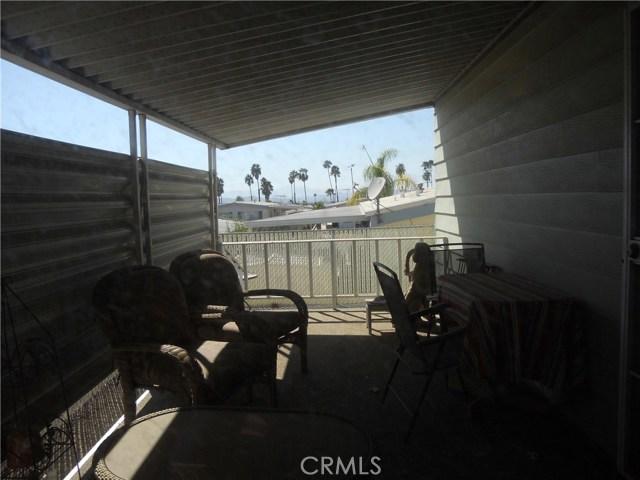 26057 Queen Palm Drive, Homeland CA: http://media.crmls.org/medias/2df0b687-caa2-4de2-b012-ce1e78c2503b.jpg