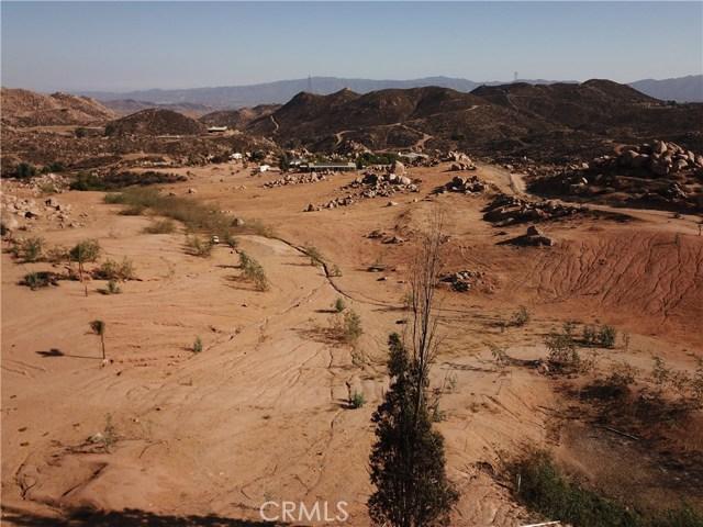 25050 El Toro Road, Perris CA: http://media.crmls.org/medias/2df2f77d-006f-494e-9757-5a422ce27270.jpg