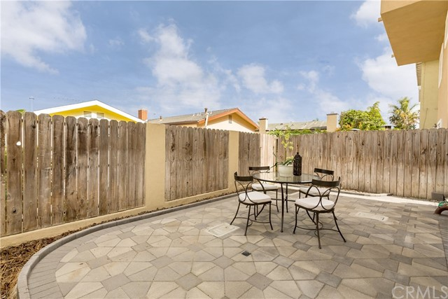 Additional photo for property listing at 1532 Harper Avenue  Redondo Beach, California,90278 Hoa Kỳ