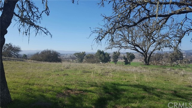 2044 Lake Ysabel Road, Templeton CA: http://media.crmls.org/medias/2dfd6670-24b7-4862-b0e1-718753cd84e0.jpg