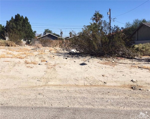 Land for Sale at Las Flores Way Las Flores Way Thousand Palms, California 92276 United States