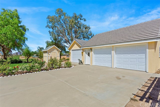 40140 MENG ASBURY ROAD, TEMECULA, CA 92592  Photo 8