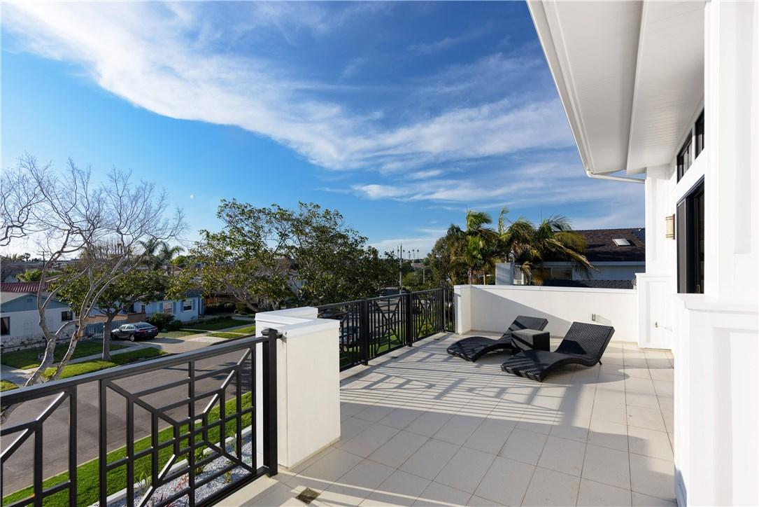 404 N Lucia Avenue, Redondo Beach, CA 90277