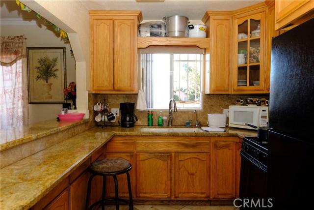 1209 E 50th Street, Los Angeles CA: http://media.crmls.org/medias/2e205310-775e-4ab4-beb0-71cb970d8494.jpg