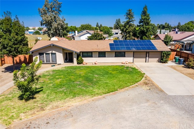 Detail Gallery Image 1 of 33 For 367 E Pecan Ave, Madera, CA 93637 - 3 Beds | 2 Baths